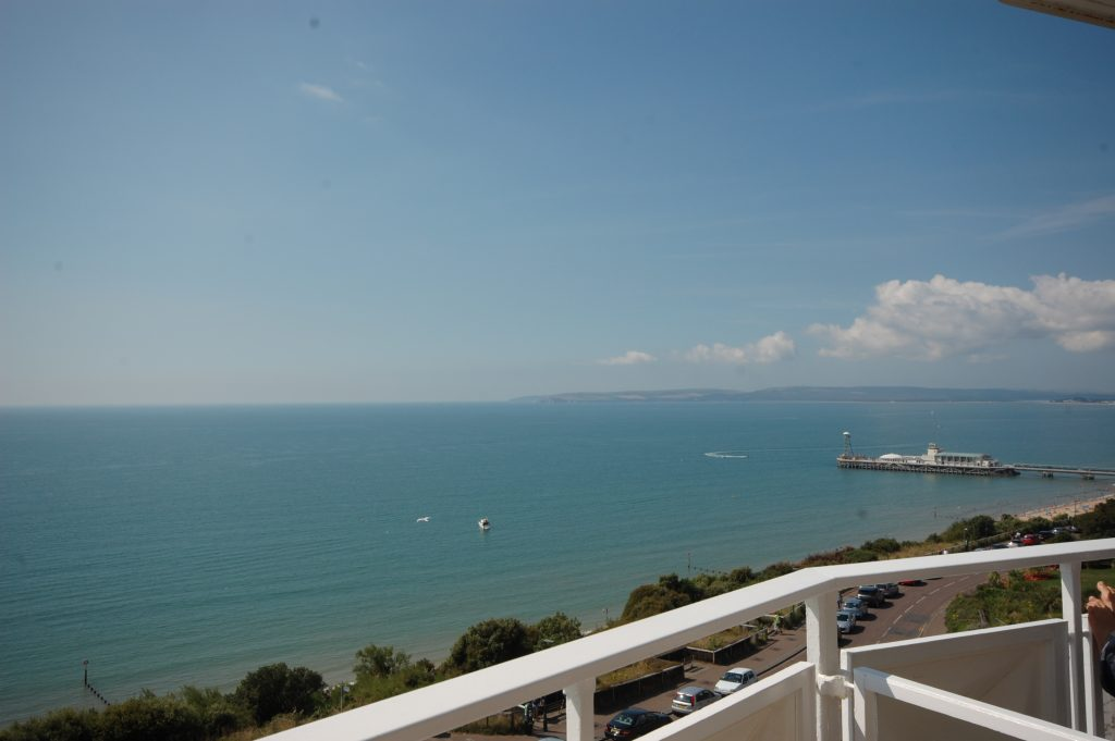NEW INSTRUCTION – EXCELLENT SEA VIEWS! featured image
