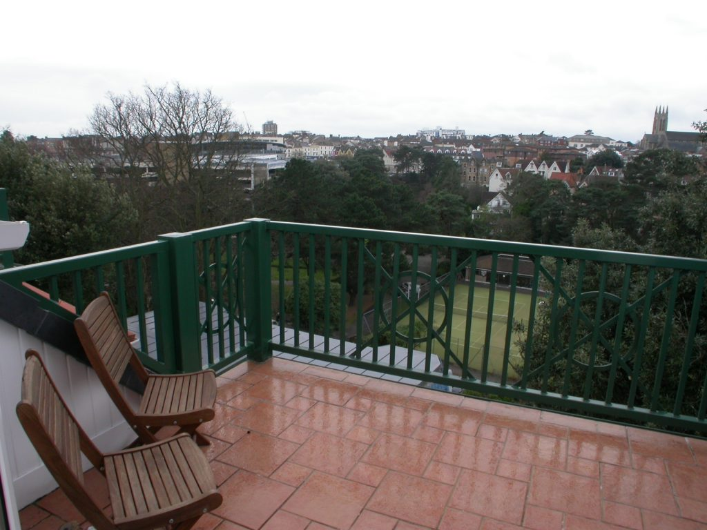 NEW INSTRUCTION – TOWN CENTRE PENTHOUSE! featured image