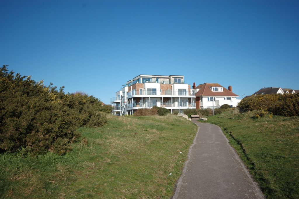 SOUTHBOURNE OVERCLIFF - FANTASTIC VIEWS! featured image