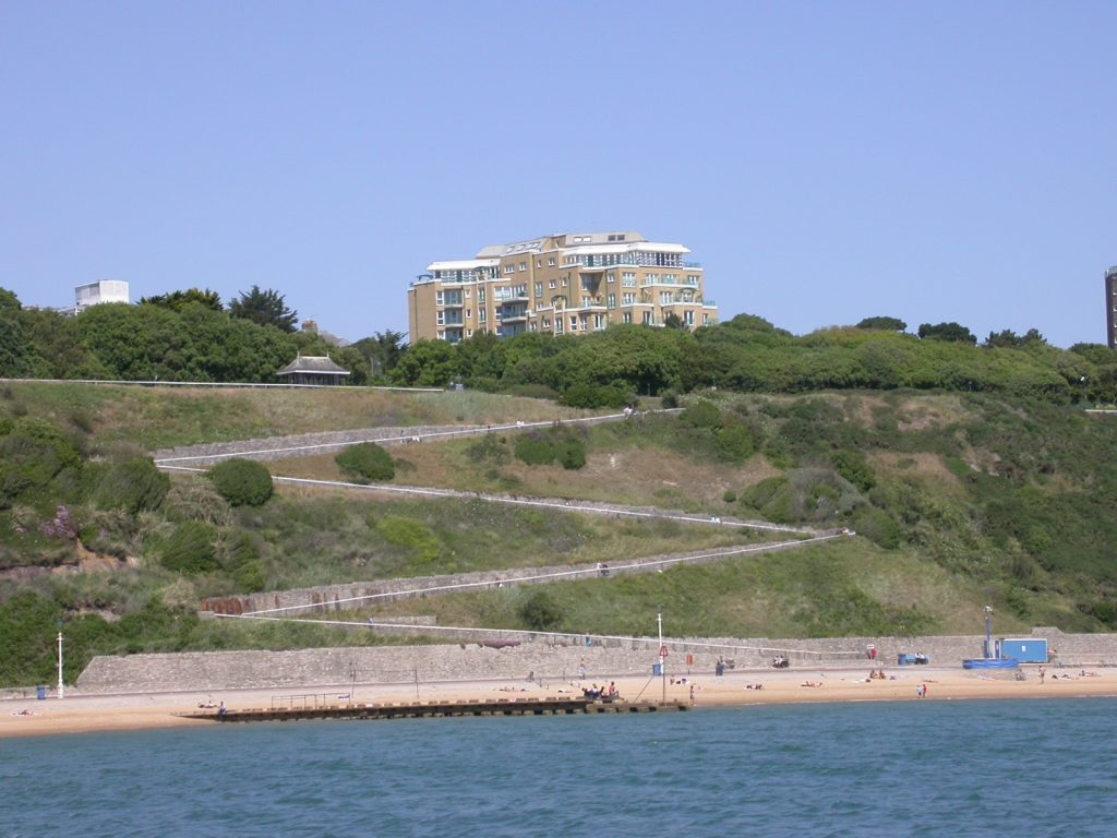 EAST CLIFF - SHORT WALK TO BEACH! featured image