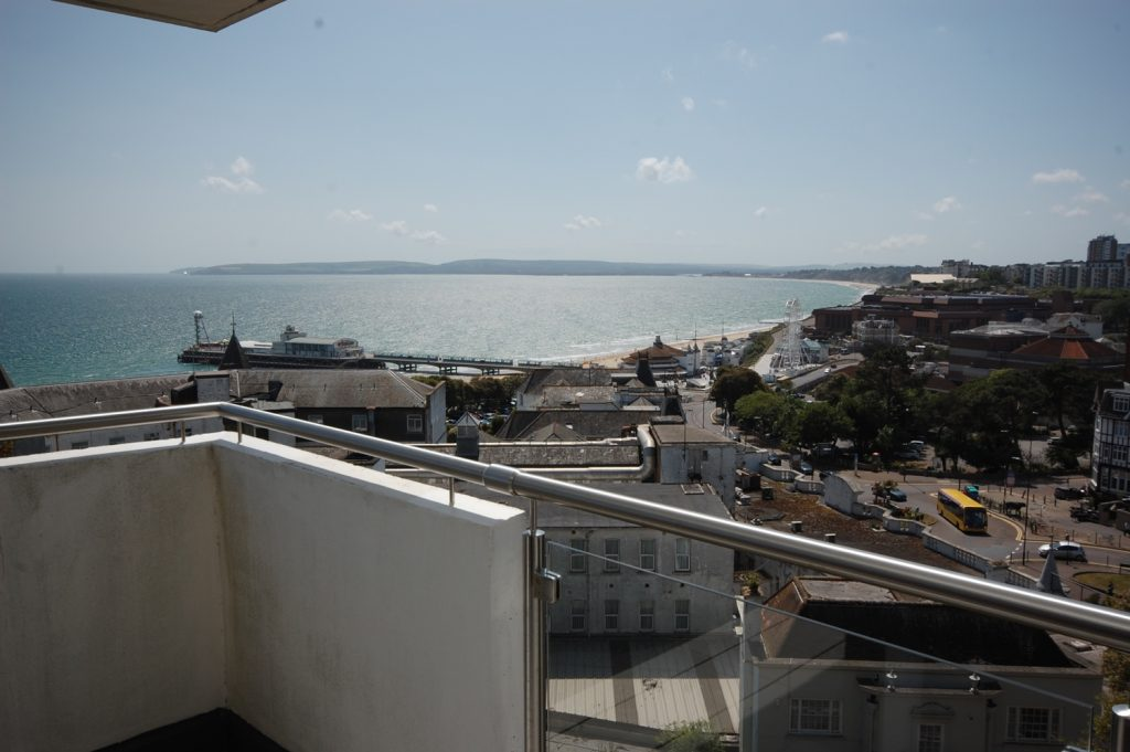 NEW INSTRUCTION - SEA & TOWN VIEWS! featured image